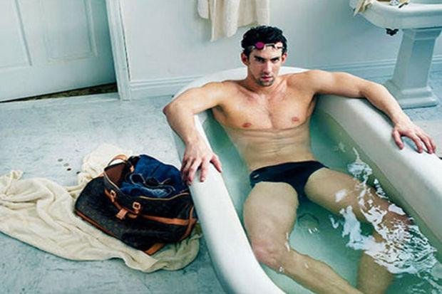 Ünlü yüzücü Louis Vuitton için küvete girdi!