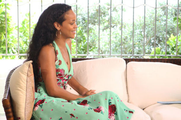 """Rihanna aptal!"""