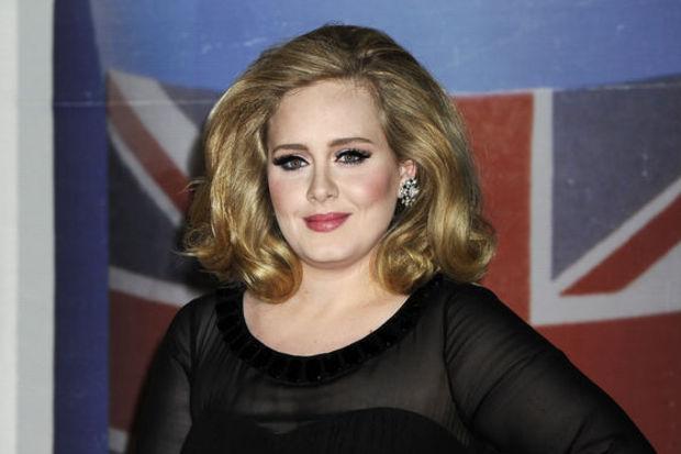 Hamile Adele gizlice evlendi!