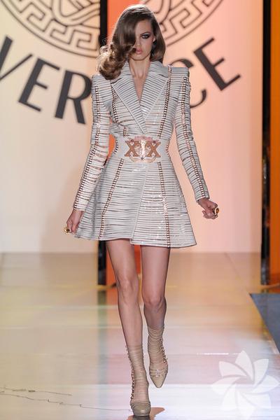 Atelier Versace 2012 Haute Couture Sonbahar Kış defilesinden fotoğraflar...