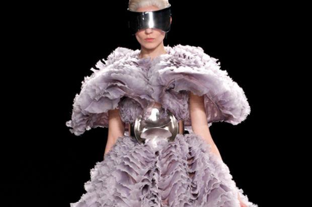 Alexander McQueen 2012 Sonbahar Kış defilesi...