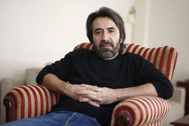 """Zeki Demirkubuz'dan jüri üyelerine hakaret """"twit""""i!"""