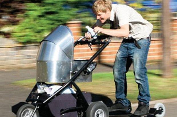 """""""En hızlı"""" bebek arabası: 1300 Lira!"""