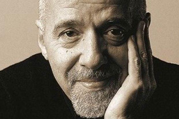 """Paulo Coelho: """"Entelektüel, bilinmeyenden korkuyor!"""""""