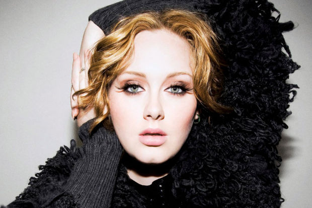 Adele'e Twitter'dan taciz!