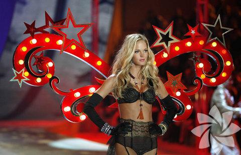 Victoria's Secret 2012 defilesi