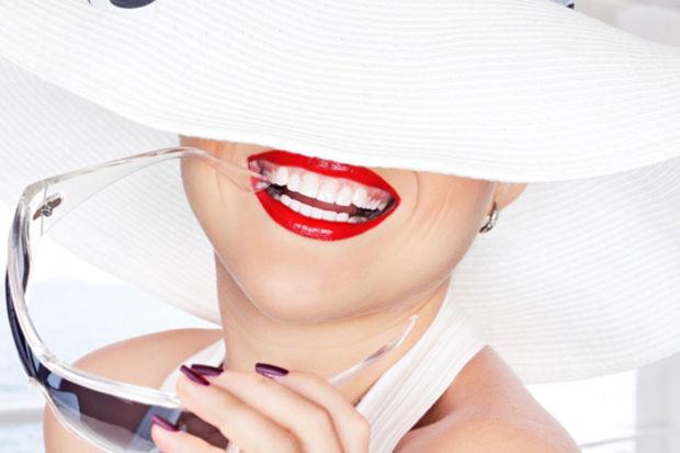 Daha beyaz dişler için 5 ruj rengi!