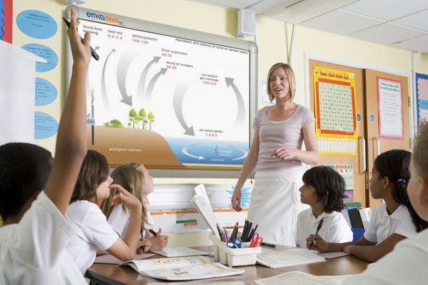 Okullarda 85 bin akıllı tahta internet bekliyor!