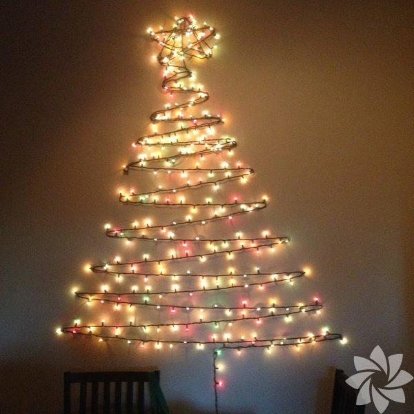 Bu yeni yılda yılbaşı ağacınızı kendiniz yapmaya ne dersiniz? Klasik çam ağacına alternatif bu yaratıcı fikirleri evinizdeki kullanmadığınız malzemelerle hayata geçirebilirsiniz.