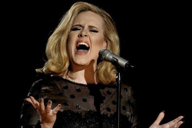 Yılın sanatçısı Adele!