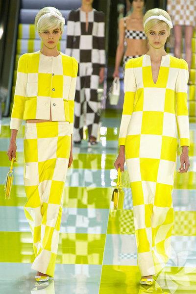 Louis Vuitton 2013 İlkbahar Koleksiyonundan fotoğraflar...