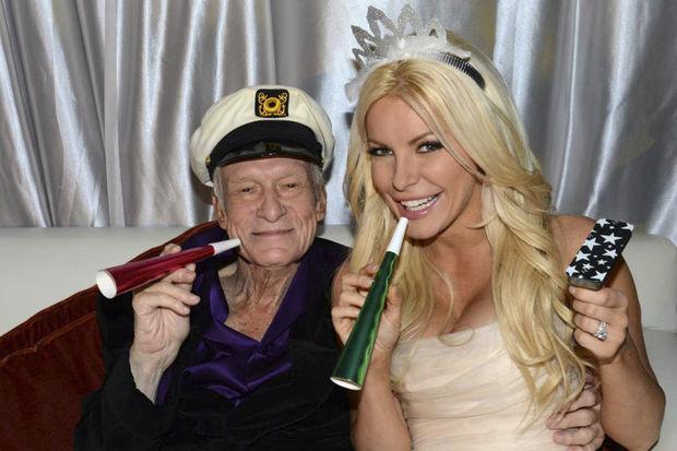 86'lık Playboy evlendi!