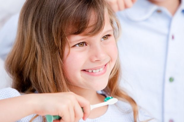 Çocuğunuza diş çürüğünüzü bulaştırmayın!