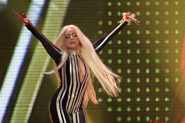 Gaga yüzünden seks yapamadım!