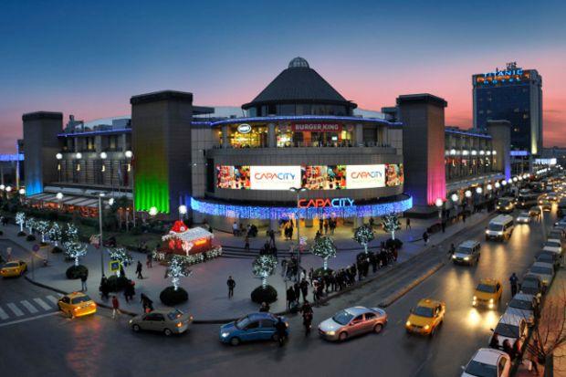 Capacity, Sevgililer Günü'nde Demet Akalın konserine ev sahipliği yapacak!