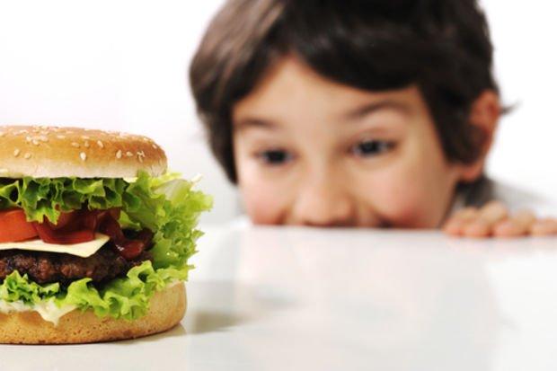 Fastfood tüketen çocuklar egzama ve astım riski altında!