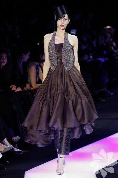 Armani Privé 2013 Haute Couture İlkbahar Yaz Koleksiyonundan fotoğraflar...