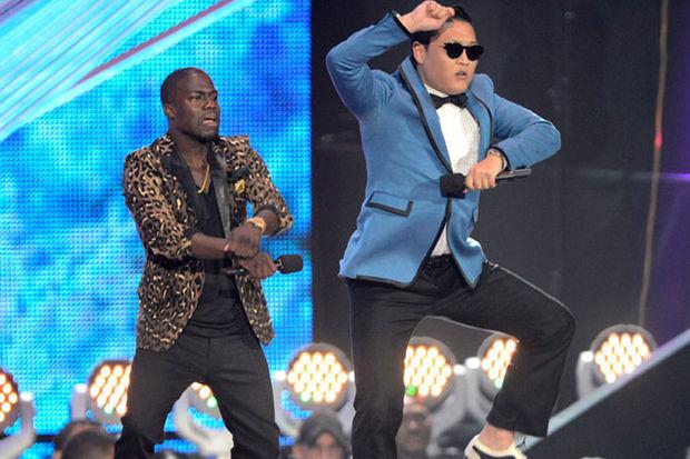 Yarım saatlik gangnam dansına hazır olun!