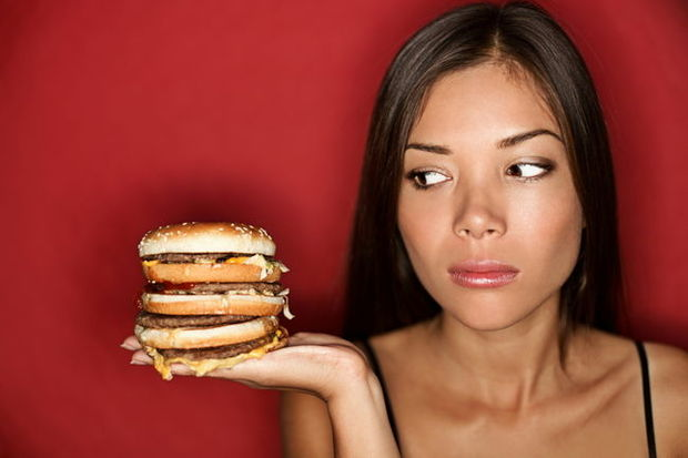 Suşi hamburgerden daha çok kilo aldırıyor!