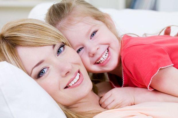 Güzellik anneden kızına geçiyor!
