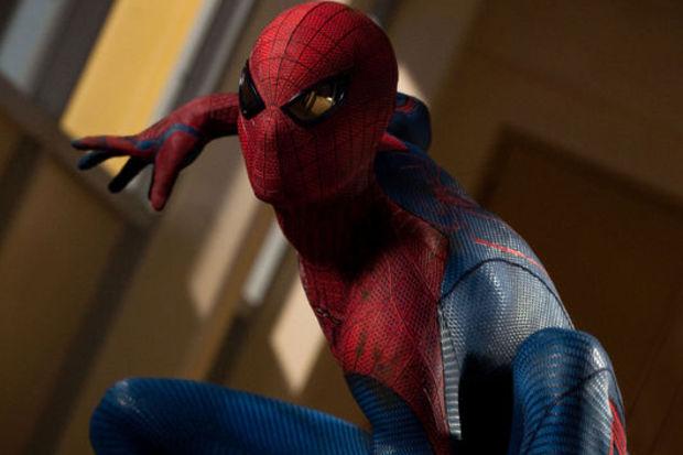 Örümcek Adam, New York'u kurtardı!