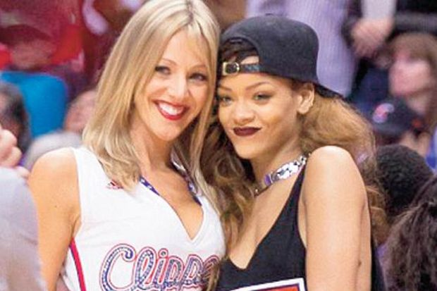 Rihanna kadınlarla birlikte olabilir!