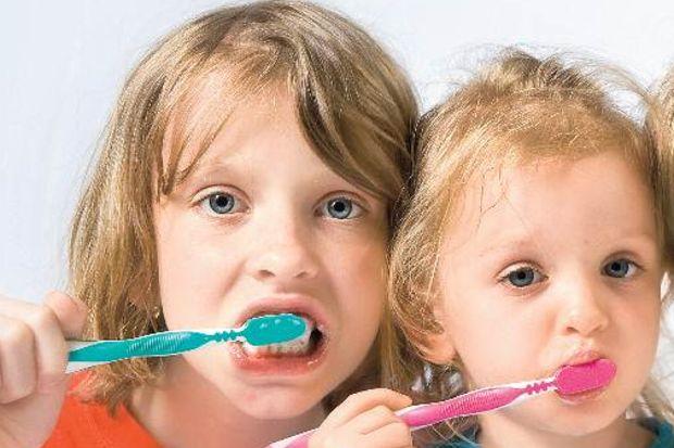 100 çocuktan 84'ü dişini fırçalamıyor!
