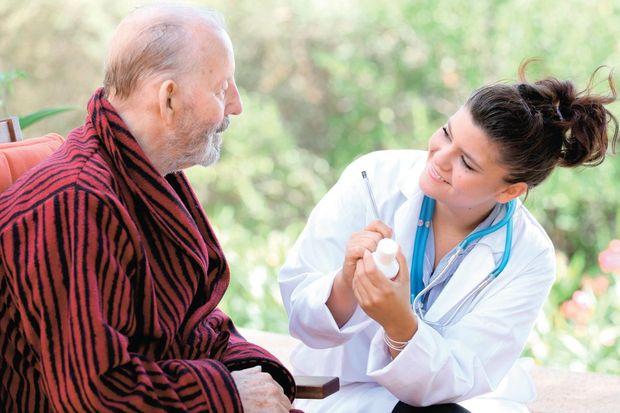 Cerrahi gereken Parkinson hastalarının yüzde 90'ına beyin pili öneriliyor!