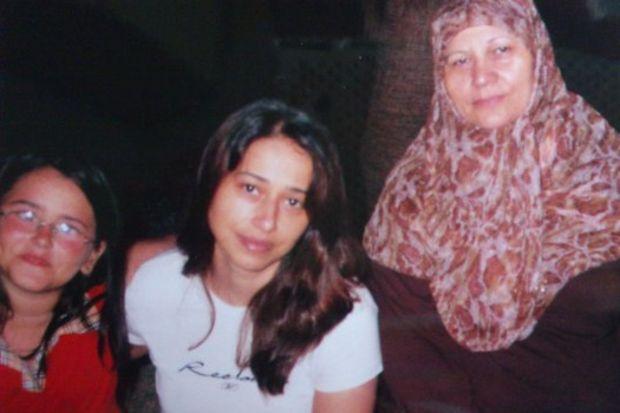 Annemin kalbi benim okulumdur kanatsız meleğim seni seviyorum.