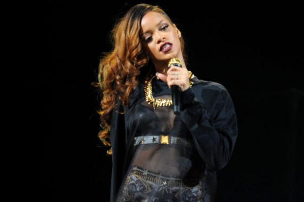 Rihanna hamile mi!