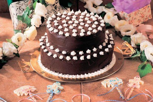 Geleneksel doğum günü pastası
