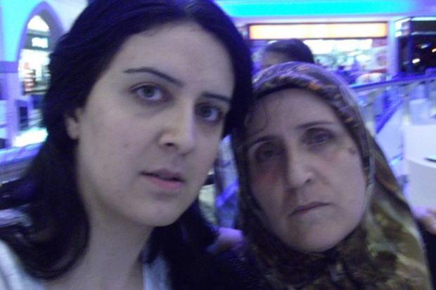 Kıymetli anneme…