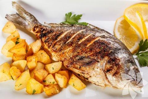 Balık yiyin Balıkta bulunan, omega 3 gibi temel asitler, beyin fonksiyonu için son derece önemlidir ve depresyon gibi beyni etkileyen hastalıklara karşı koruyucudur.