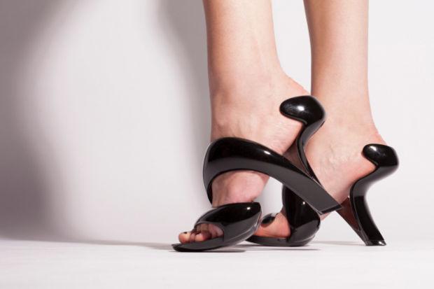 Ünlü mimardan benzersiz ayakkabı tasarımı...