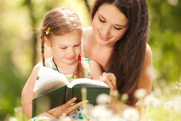 Çocuğunuzla birlikte kitap okumanın eğlenceli yolları