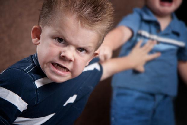 Öfke nöbeti geçiren çocuğunuzu idare etmenin yolları...