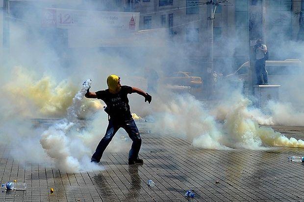 Taksim Meydanı'nda müdahale sürüyor!