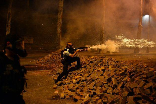 Polis sadece Taksim'den çekildi!
