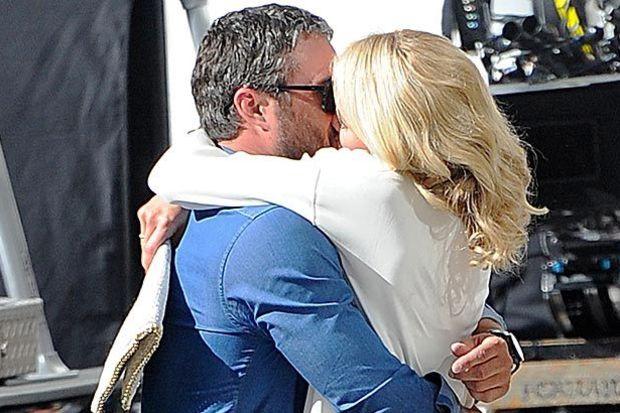 Nişanlısını Cameron Diaz'dan kıskandı!