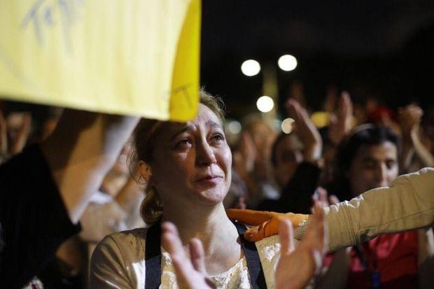 Gezi Parkı'na yüzlerce anne gelerek çocuklarına destek verdi!