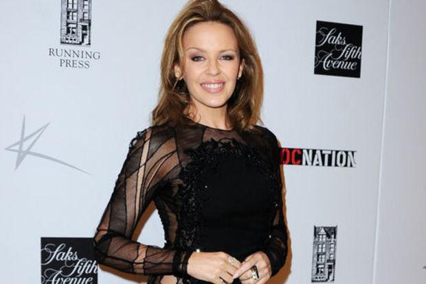 Kylie Minogue pozları...