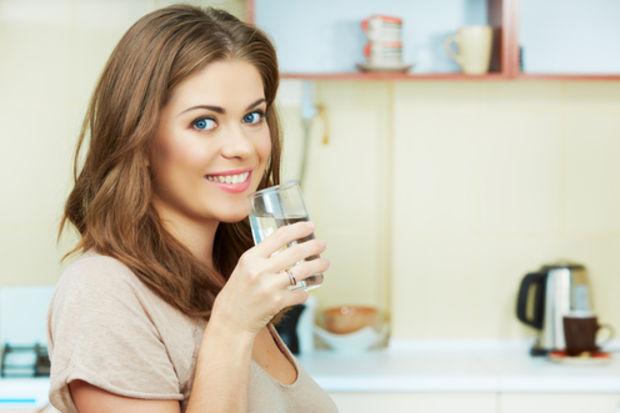 Her saat başı 1 çay bardağı su için!
