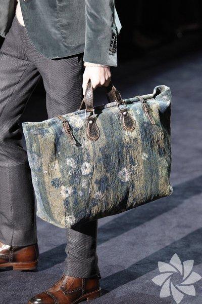 2013 erkek çantaları...