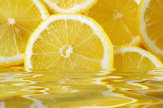 Çil oluşumunu limon suyuyla önleyin!