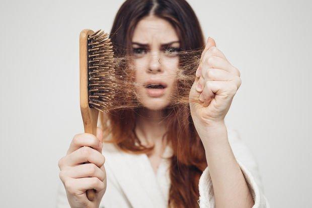 Kadınların kâbusu: Dökülen ve yerine gelmeyen saçlar!