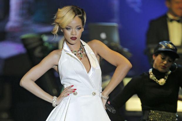 Rihanna'ya depresyon teşhisi!