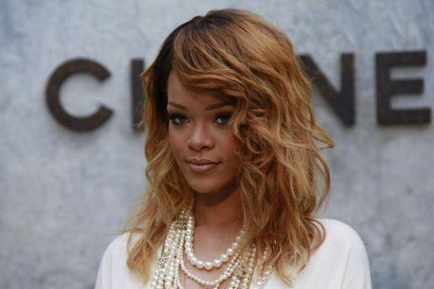 4 ayak Rihanna…