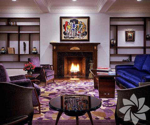 Madonna'nın evinin oturma odası bölümü...