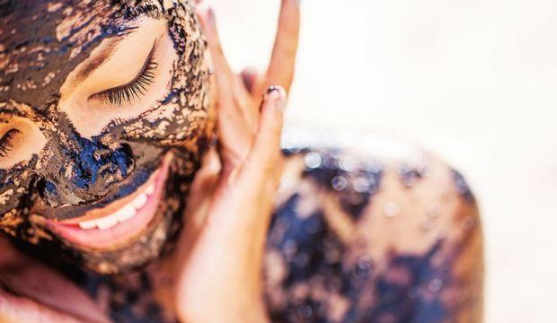 Türk kahvesi ve zeytinyağı ile yüz maskesi