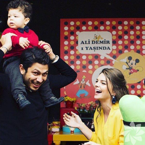 Pelin Karahan ve eşi Bedri Güntay bugün oğulları Ali Demir'in doğum gününü kutladılar.